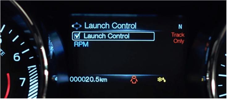 Launch control en tablero de un carro