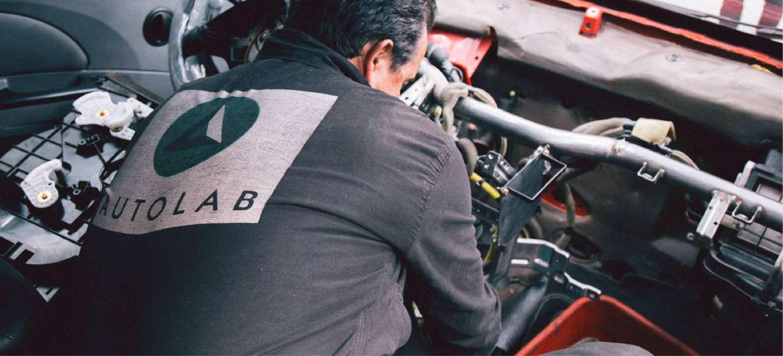 Diagnóstico de un mercanico de Autolab con carro