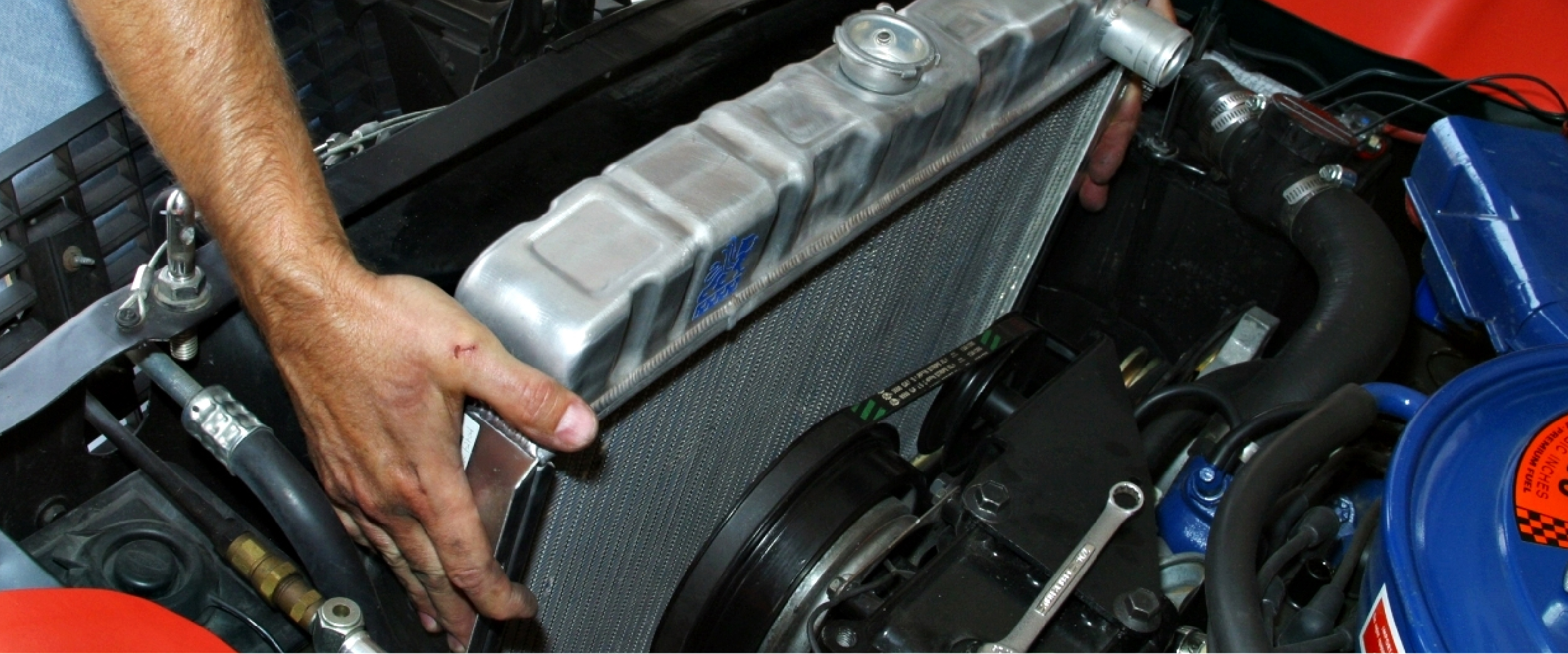 https://autolab.com.co/wp-content/uploads/2019/11/171219-En-qué-consiste-el-sistema-de-refrigeración-del-motor_Mesa-de-trabajo-1.jpg